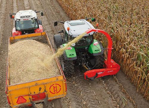 kuhn-Traktorski-silokombajni